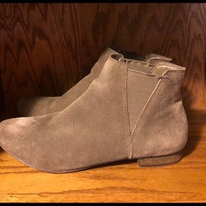 EUC Steve Madden Taupe Booties Shoes Boots 9 M